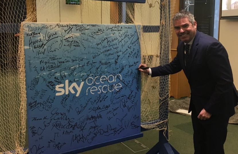 Craig signs Ocean Rescue pledge
